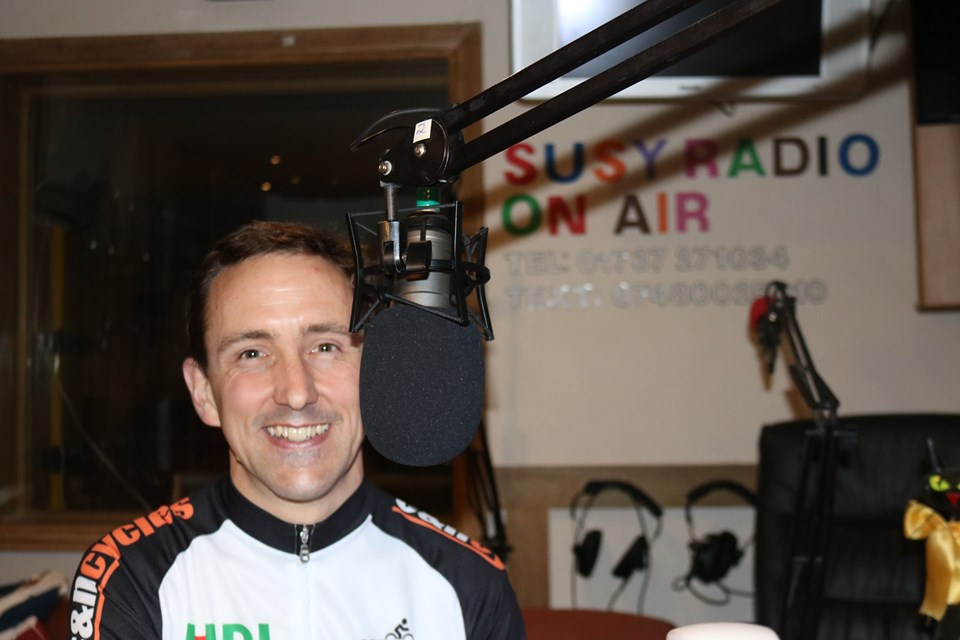 Chris-Susy-radio.jpg