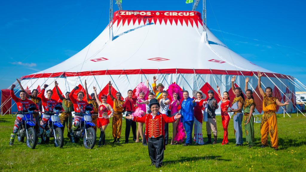 Zippos Circus Performers1600x900